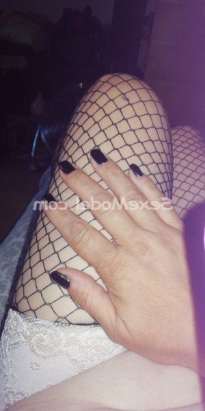 Eireen rencontre dominatrice escorte girl